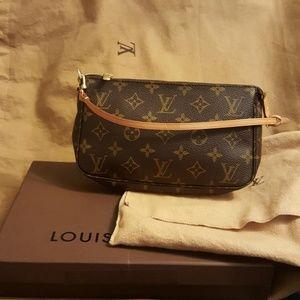 Louis Vuitton Brown . Canvas Pochette Shoulder Bag